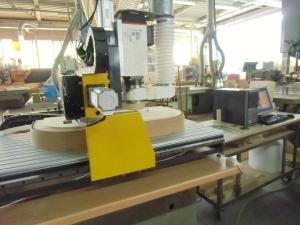 lavorazione legno con pantografo cnc