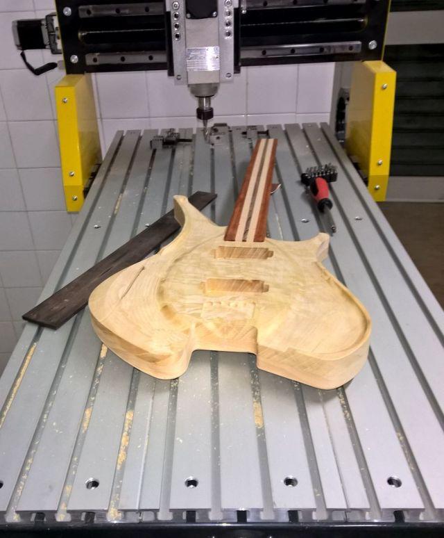 creazione strumenti musicali con pantografo cnc